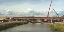 M35 (Görbeháza-Debrecen): A Keleti főcsatorna és vadátjárók feletti híd
